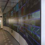 Pult na správu 2500 programov v stredisku SES ASTRA v Luxembursku